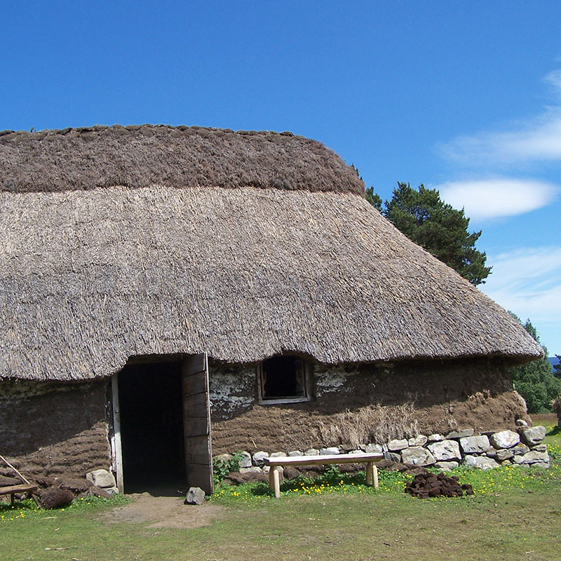 visit to blackhouse highland folk museum on outlander tour
